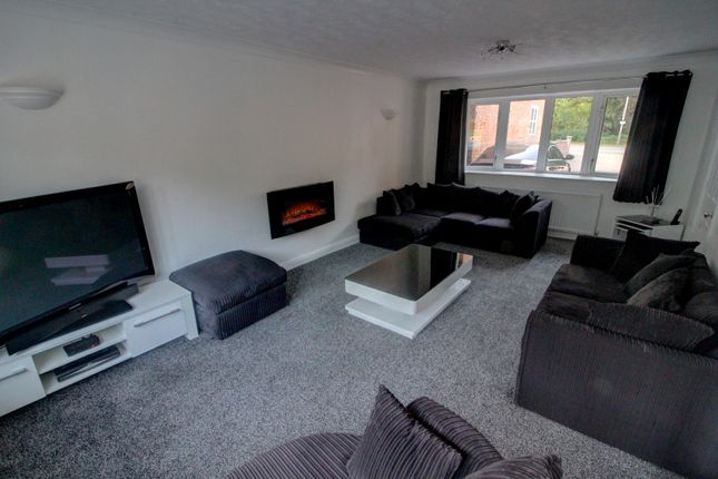 Lounge of Hinckley Road, Leicester LE3