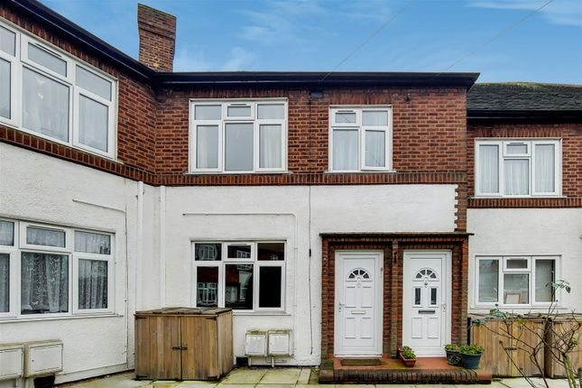 Thumbnail Flat to rent in Westminster Close, Ilford