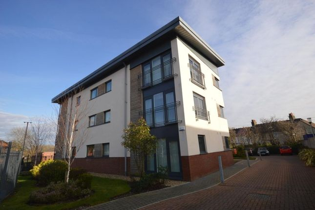 2 bed flat to rent in Parkgate, Rosyth, Dunfermline
