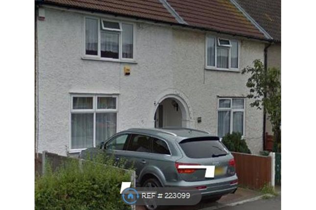 Thumbnail Terraced house to rent in Babington Road, Essex