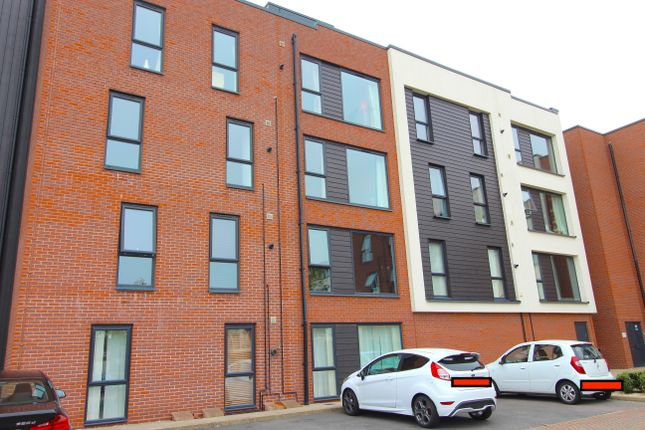 Flat to rent in Monticello Way, Coventry