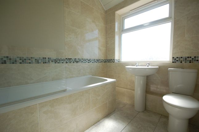 Bathroom of Rectory Road, Blackpool FY4