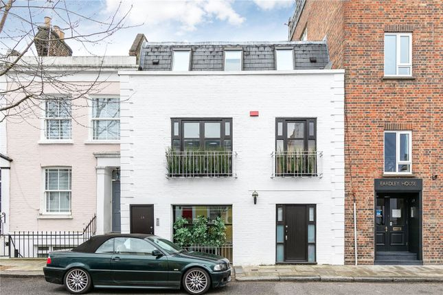Thumbnail Terraced house for sale in Farm Place, London
