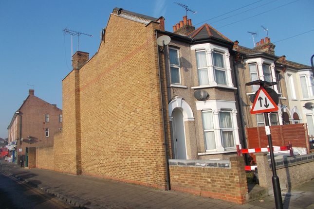 Thumbnail End terrace house to rent in Cuthbert Road, London