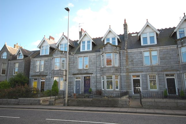 Thumbnail Flat to rent in Great Western Road, West End, Top Floor Flat, Aberdeen