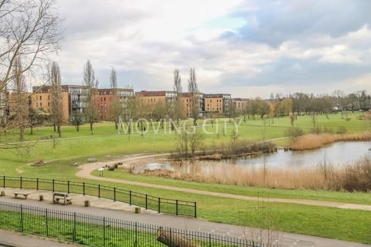 Thumbnail Flat for sale in Kidbrooke Village, The Square