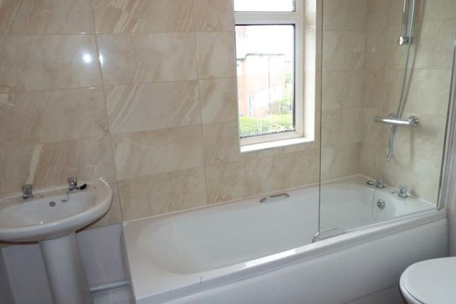 3 bed semi-detached house to rent in Rothesay Avenue, Dukinfield SK16