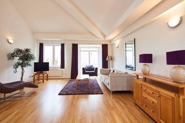 Thumbnail Flat to rent in Three Colt Street, London