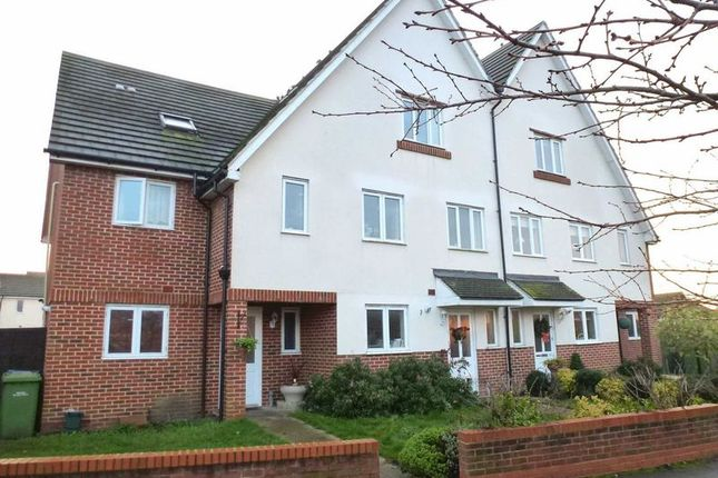 Thumbnail Room to rent in Priory Lane, West Molesey