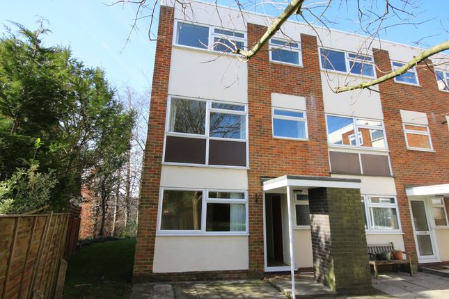 Thumbnail End terrace house to rent in Carlton Road, Harpenden