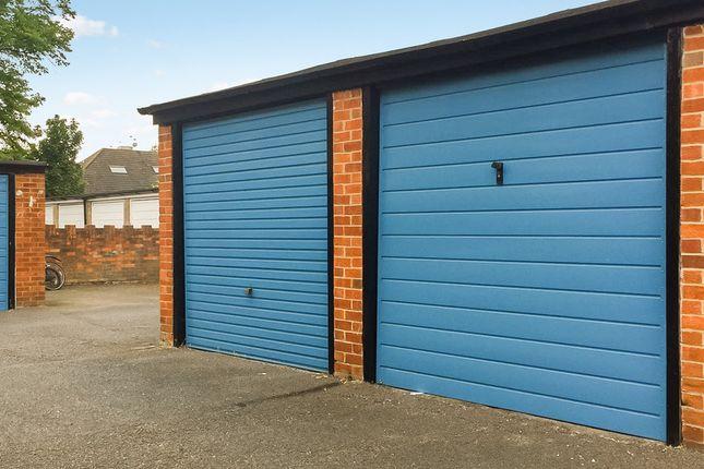 Parking/garage to rent in South Bank, Surbiton