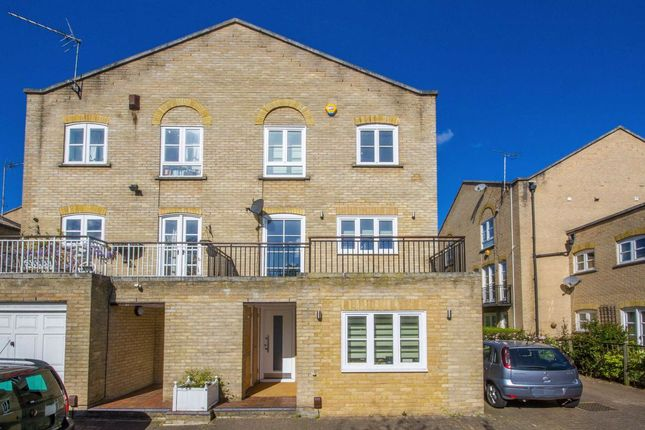 Thumbnail Property to rent in Thornhill Bridge Wharf, Caledonian Road, London