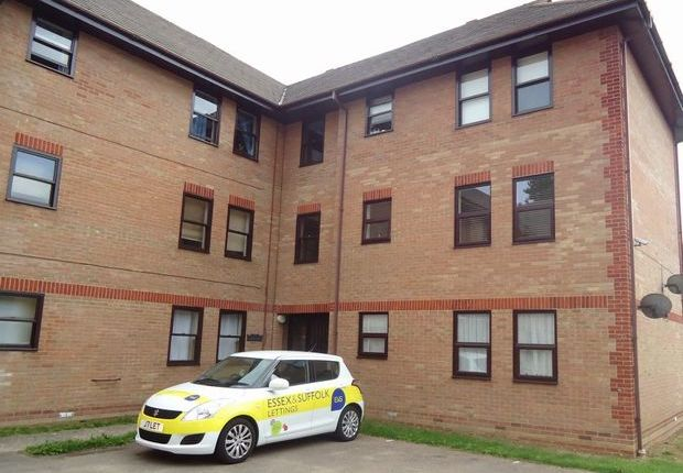 Thumbnail Flat to rent in Grassmere, Colchester, Essex