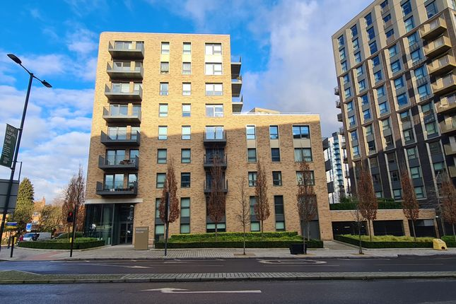 Flat for sale in Redwood House, Engineers Way