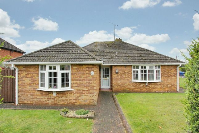 Thumbnail Bungalow for sale in Foxcotte Road, Charlton