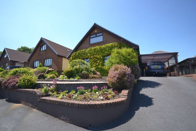 Thumbnail Detached bungalow for sale in Parc Newydd, Foelgastell, Llanelli