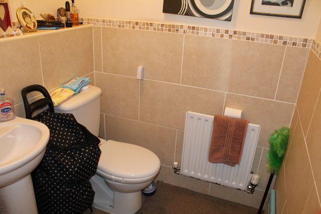 Bathroom of The Scholes, St. Helens WA10