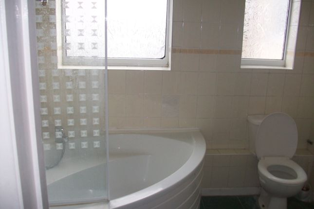 Thumbnail Flat to rent in Whitham Road, Iselworth