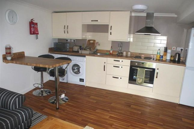 Thumbnail Flat to rent in West Gate, Mansfield