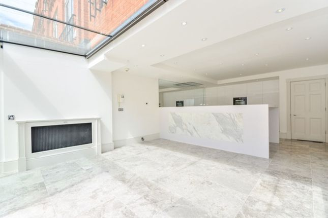 Thumbnail Terraced house for sale in Flood Street, London