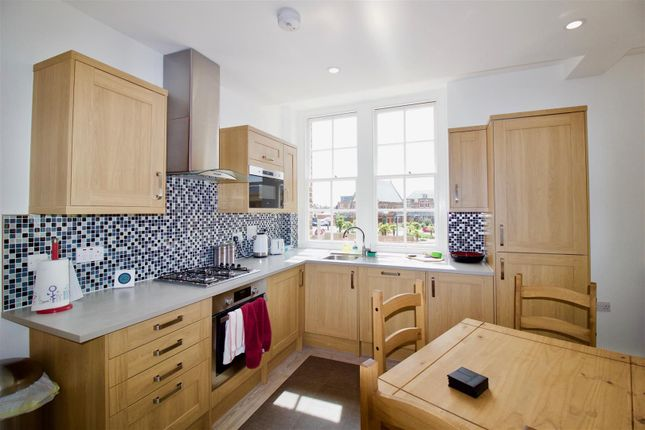 Thumbnail Flat to rent in Canterbury Road, Margate
