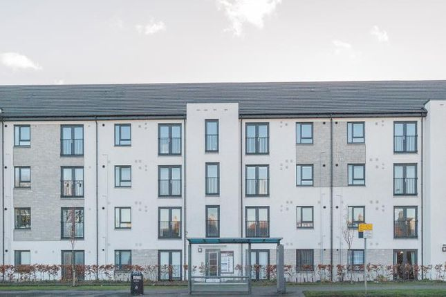 Thumbnail Flat to rent in Gyle Avenue, South Gyle Broadway, Edinburgh