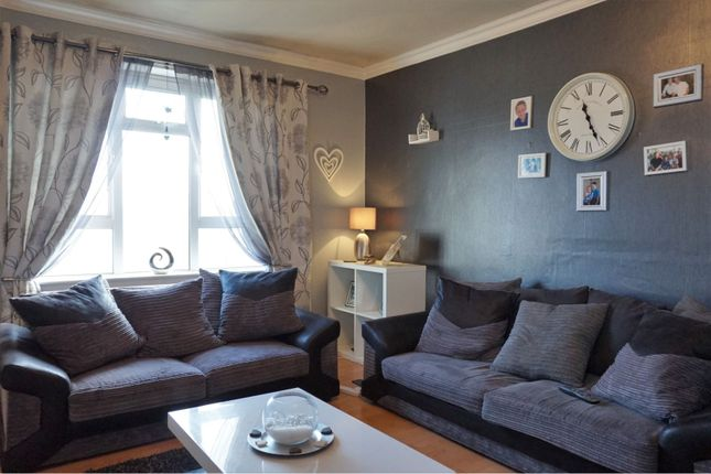 Lounge of Balcarres Terrace, Dundee DD4