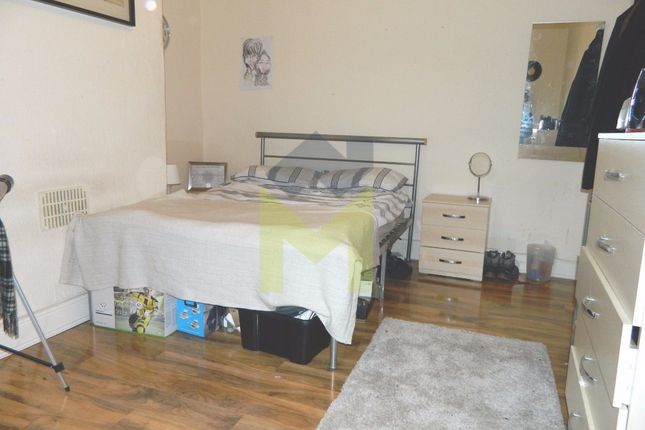 3 bed terraced house to rent in Chillingham Road, Heaton