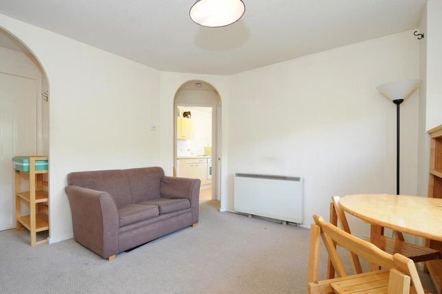 Internal View of St. Hughs Rise, Didcot OX11