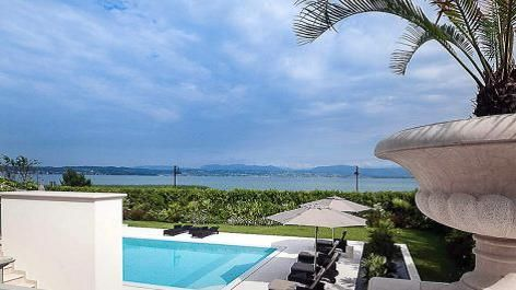 Thumbnail Villa for sale in Sirmione, Lake Garda, Italy