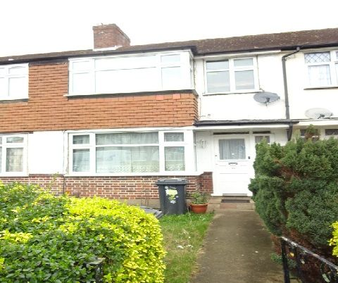 Thumbnail Terraced house to rent in Hadley Gardens, Southall