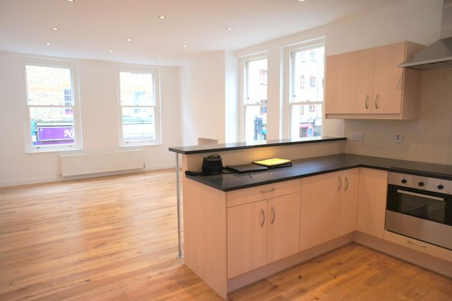 2 bed flat to rent in Wentworth Street, London