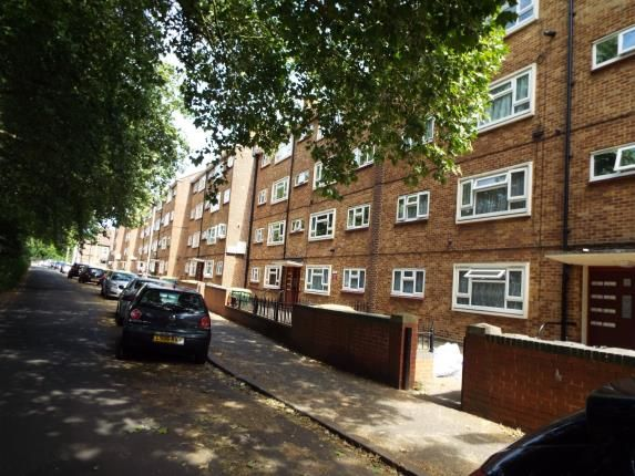 Thumbnail Flat for sale in Forest View Road, London