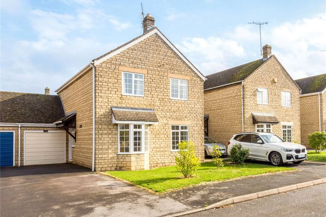Thumbnail Detached house for sale in Bloxham Road, Broadway, Worcestershire