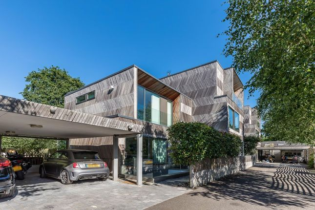 Thumbnail Detached house for sale in Lyford Road, London