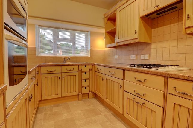 Thumbnail Detached house to rent in Desborough Avenue, High Wycombe