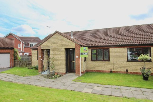 Thumbnail Bungalow for sale in Meadowlake Close, Lincoln