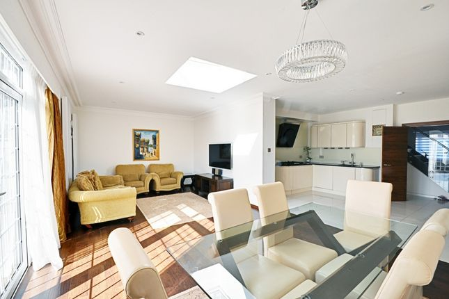 Thumbnail Terraced house to rent in Beaufort Road, Ealing