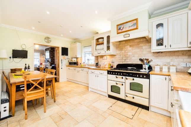 End terrace house for sale in Jersey Road, Rainham