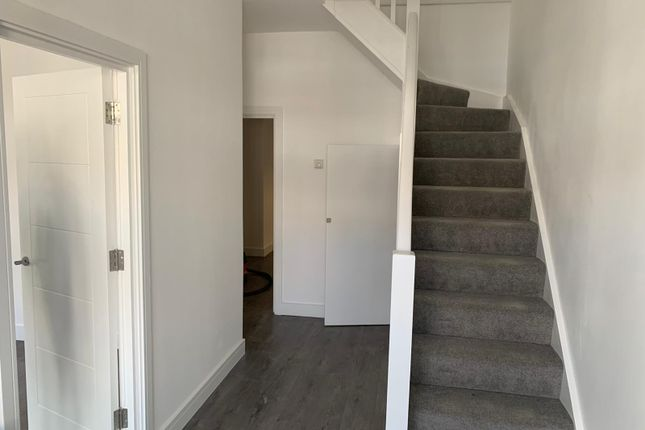 Thumbnail Semi-detached house to rent in Castle View Gardens, Essex