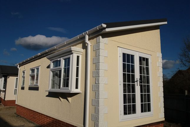 Thumbnail Mobile/park home for sale in Berry Lane, Blewbury Didcot Oxfordshire