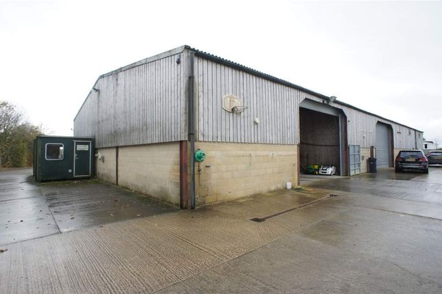 Light industrial to let in Unit 4 Manor Hill Farm, Swindon, Wiltshire