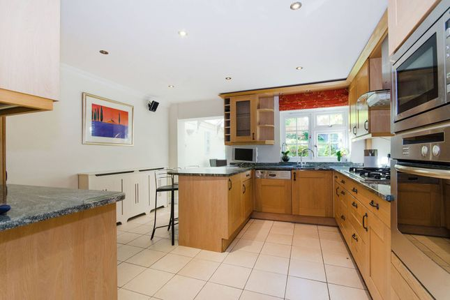 Thumbnail Property to rent in Westmoreland Place, Ealing