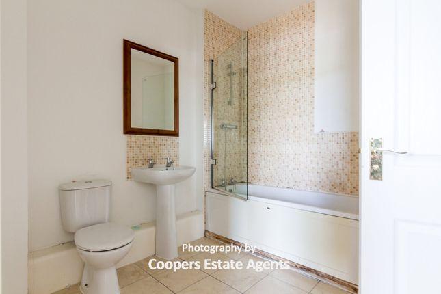 Bathroom of Paladine Way, Stoke Heath, Coventry CV3