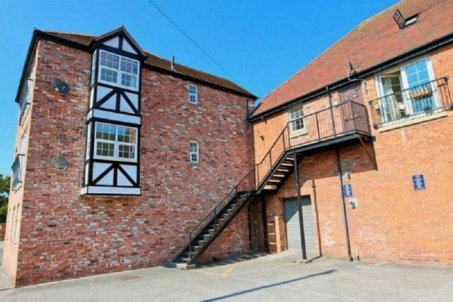 2 bed flat to rent in Kensington Court, Nantwich CW5