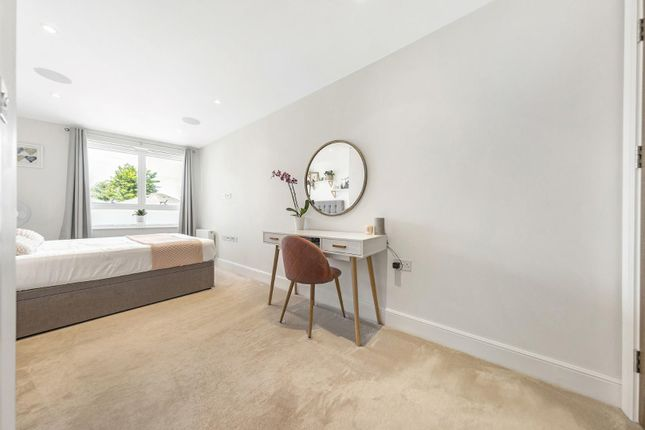 Bedroom (3) of New Park Road, London SW2