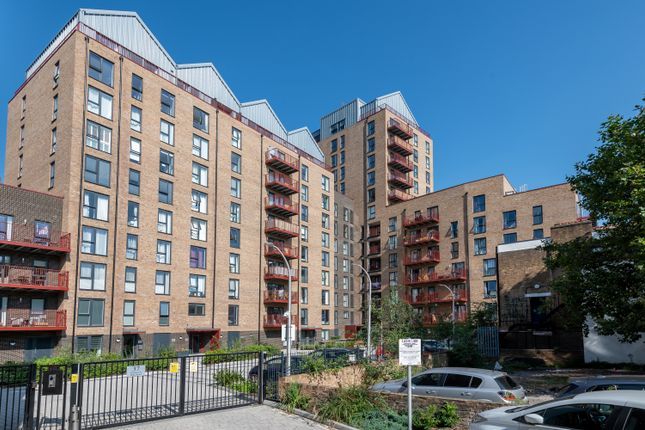 1 bed flat for sale in Greenwich High Road, London SE10