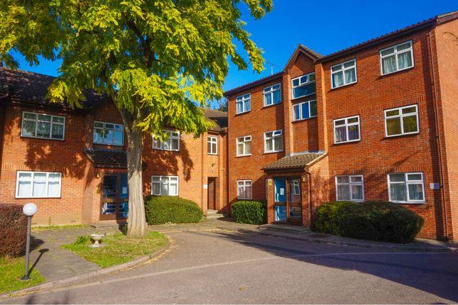 Thumbnail Flat for sale in 26A Fernleigh Close, Croydon
