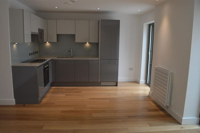 Thumbnail Flat to rent in Wapping Wharf, Gas Ferry Steps, Bristol