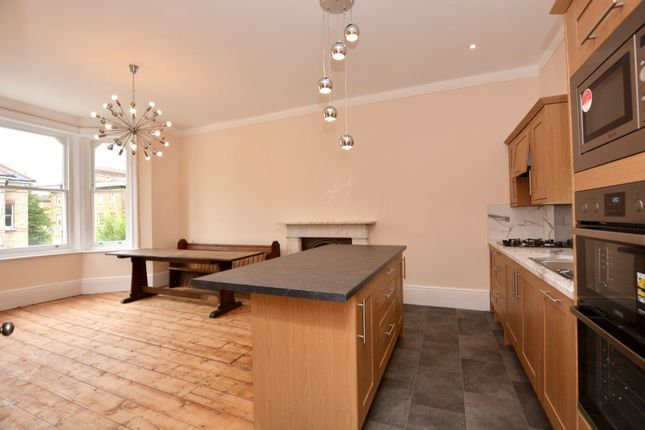 2 bed flat to rent in North Road, Surbiton, Surbiton, Surrey KT6